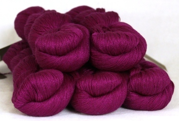 Fyberspates Scrumptious Lace #512 magenta