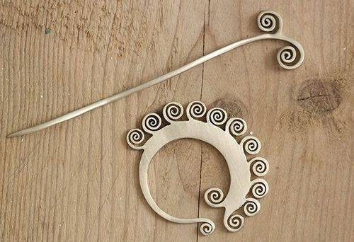 JUL Designs Coil Shawl Pin
